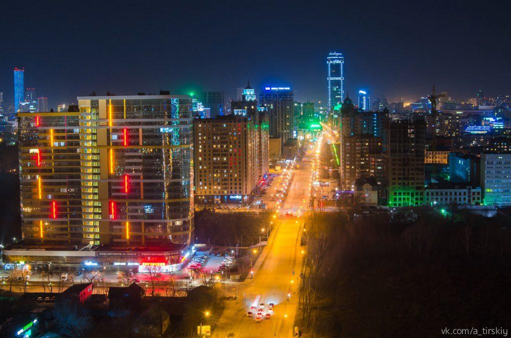Фото Артура Тирского: ночная улица Белинского